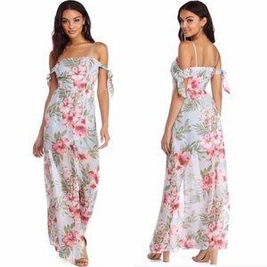 Windsor • Tropical Floral Maxi Dress
